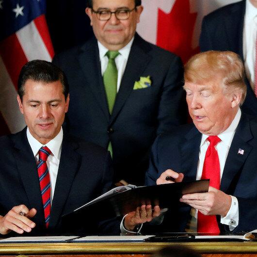 Trump yanlış belgeyi imzaladı