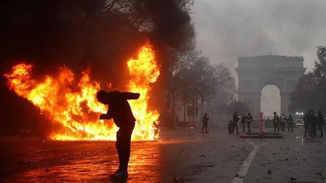 Paris'te fitillenen ateş Avrupa'yı yakacak