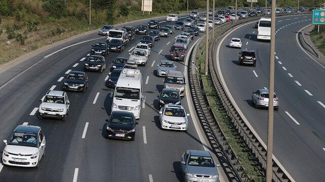 Türkiye'de trafiğe kayıtlı araç sayısı her geçen yıl artıyor.