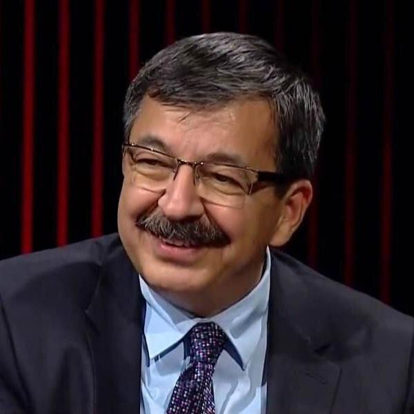 TRT'de ''Can Veren Pervaneler'' programının hazırlayıcısı ve sunucusu.