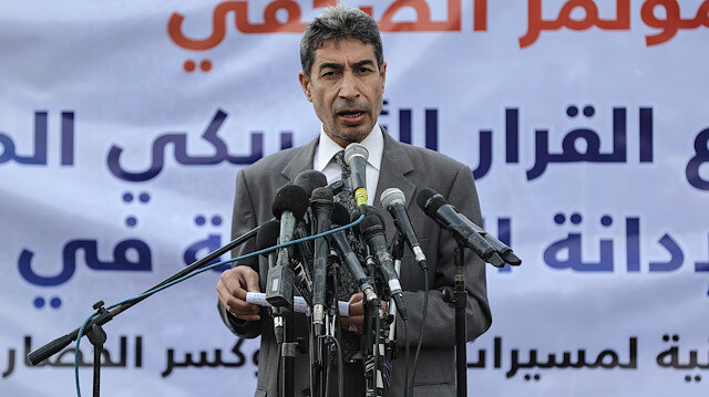 Yusra Derviş, basın toplantısında Filistinli gruplar adına konuştu.