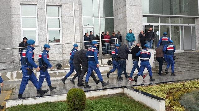 Polisin Gebze'de başlattığı operasyonda 12 kişi gözaltına alınmıştı.