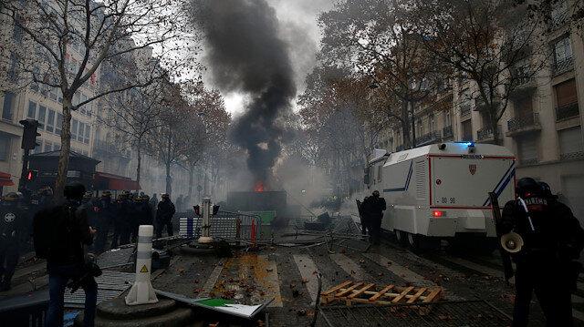 Paris'te cumartesi alarmı: Her yer kapalı olacak