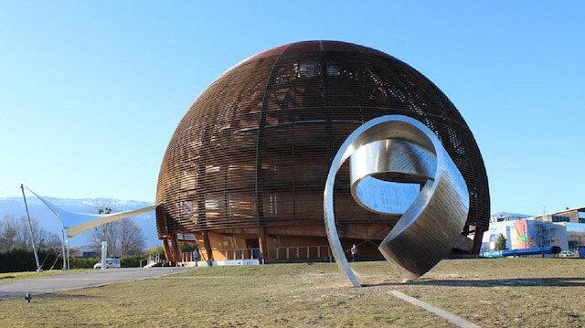 Fransa-İsviçre sınırında, yerin 100 metre altındaki Büyük Hadron Çarpıştırıcısı, önceki gün itibariyle devre dışı bırakıldı.