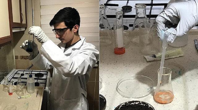"""Borsa İstanbul Başakşehir Mesleki ve Teknik Anadolu Lisesi 11. sınıf öğrencisi Belli, izlediği çevre kirliliği haberlerinden etkilenerek, """"doğaya zarar vermeyen plastik"""" üretmek için çalışmaya başladı."""