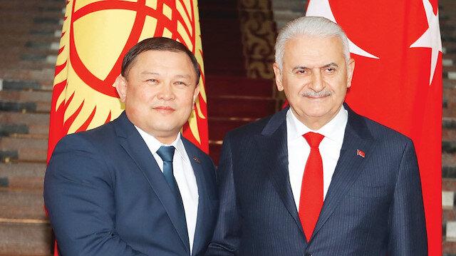 Yıldırım, Kırgızistan Meclis Başkanı Dastanbek Cumabekov ile Bişkek'te bir araya geldi.