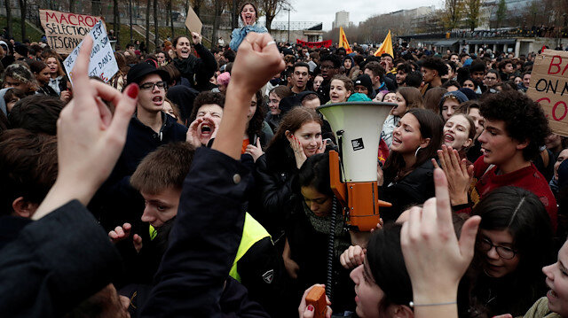 France braces for trouble, Macron to address 'yellow vest' anger