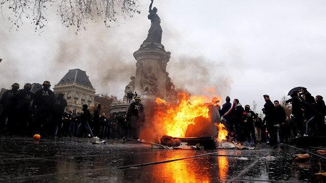 Fransa'da yarın ülke genelinde sarı yeleklilerin protesto yapacağı açıklanmıştı.