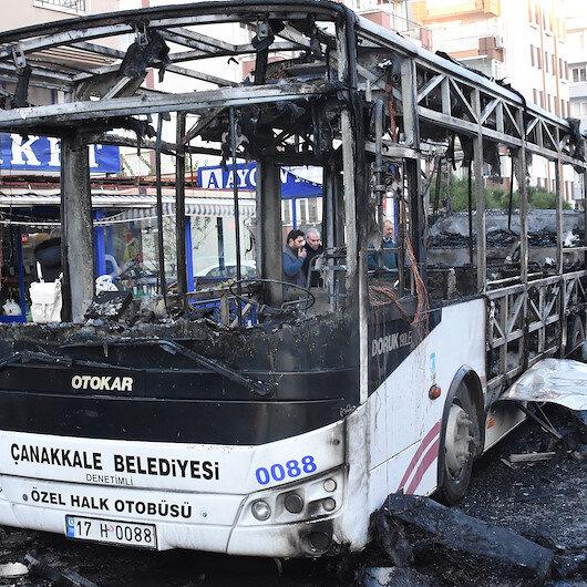 Halk otobüsü içerisinde yolcular varken alev aldı