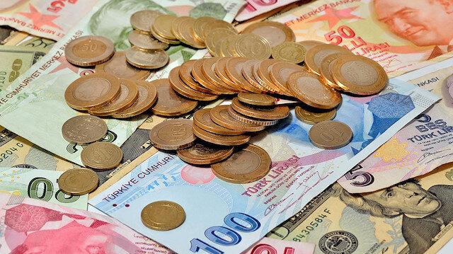 Enflasyonla mücadeleye destek için çalışanlara bir maaş ikramiye verdiler.