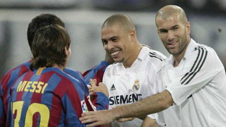 Zidane hem futbolcu hem de teknik direktör olarak Messi'ye rakip olmuştu.