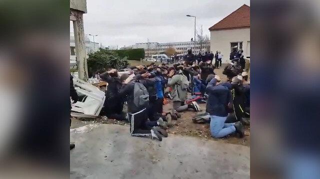 Fransa'da gösterilere katılan liseliler böyle gözaltına alındı
