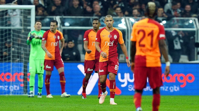Galatasaray iç sahada klasik parçalı formasını giyiyor.