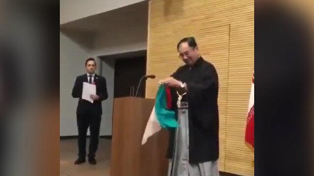 Japon Büyükelçi'den İranlılara sihirbazlık gösterisi