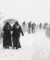 Karlı ve buzlu havada nasıl yürümeliyiz?