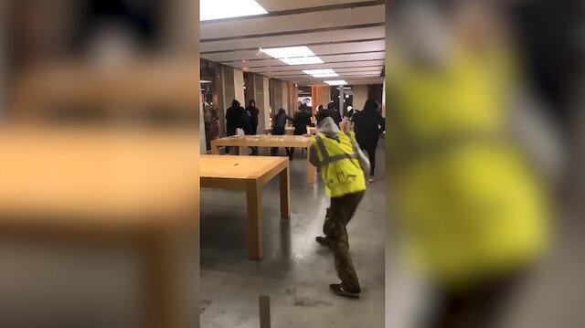 Fransa'da göstericiler Apple mağazasını yağmaladı