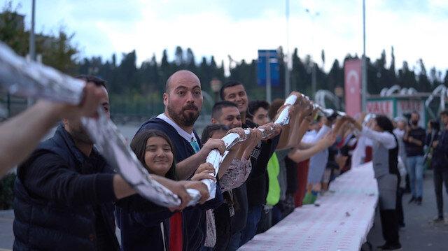 Hasan Usta'dan dünya rekoru kıran 30 metrelik kebap