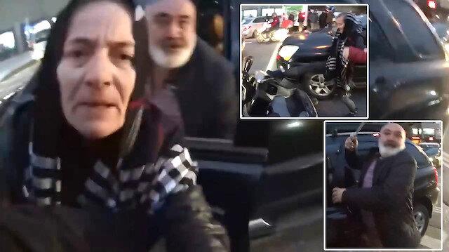 Copla sürücüye saldırırken karısı da motosikleti tekmeledi!