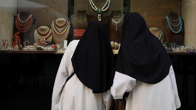 Catholic nuns embezzle $500,000 from school, spend it in Vegas casinos