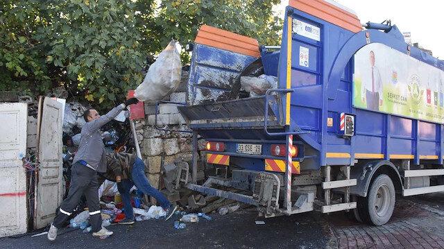 Kötü koku gelince ortaya çıktı: Evde tam 22 kamyon bulundu