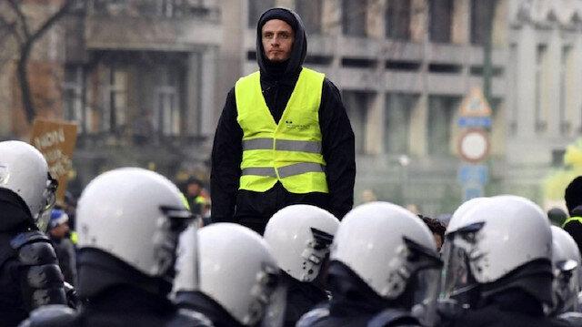 الحكومة الفرنسية تدعو السترات الصفراء إلى عدم التظاهر