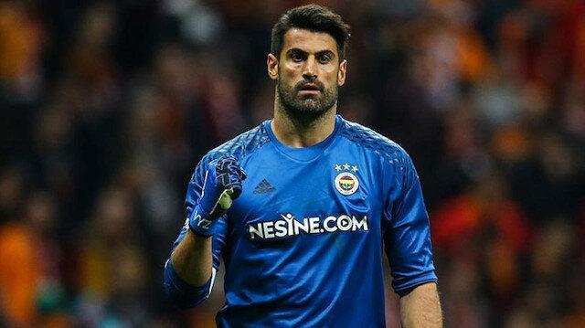 37 yaşındaki Volkan Demirel bu sezon sarı-lacivertli formayla 5 maça çıktı.