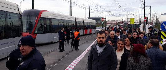 Cevizlibağ'da <br>tramvay raydan çıktı