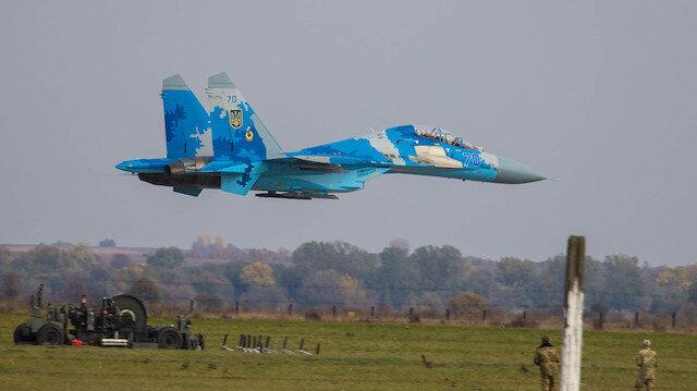Ukrayna'da Su-27 tipi savaş uçağı düştü: Pilot öldü
