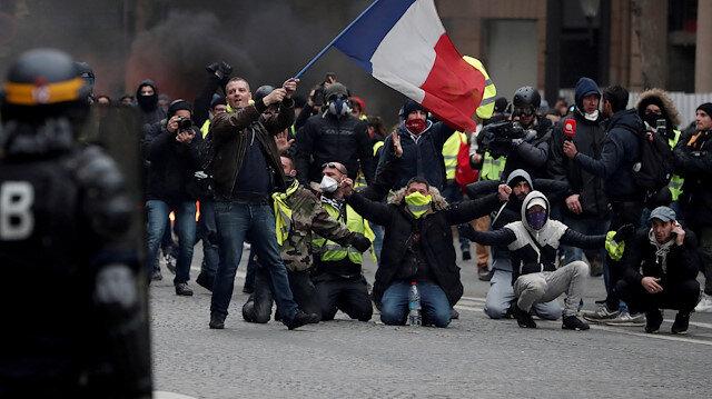 Paris yeniden karıştı: 25 gözaltı