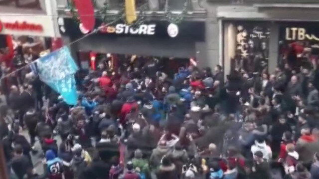 Derbi öncesi Taksim'de istenmeyen görüntüler