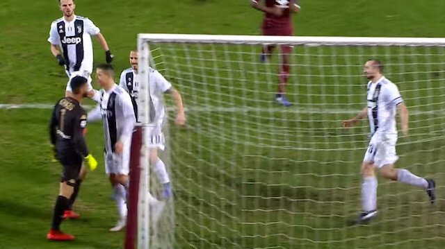 Ronaldo'nun rakip kaleciye hareketi tepki topladı