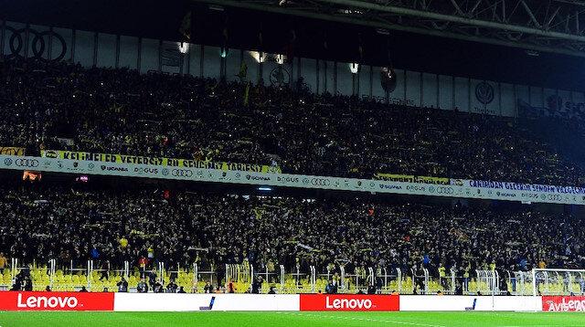 Fenerbahçeli taraftar tribünden düştü