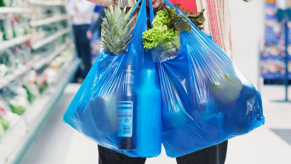 Plastik poşetleri kullanım üresi ülkeden ülkeye değişkenlik gösterirken ortalama kullanım 15 dakika sürüyor.