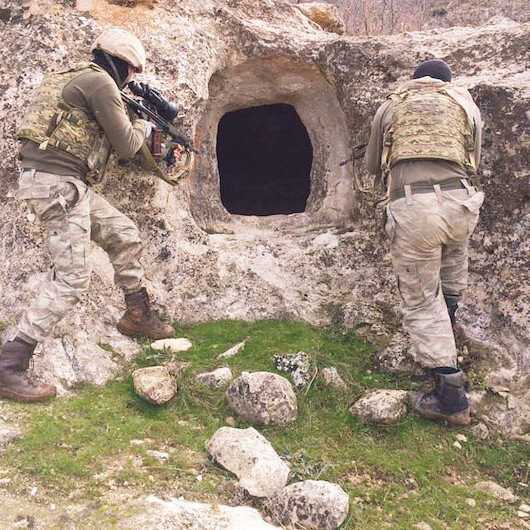 Mağaralar didik didik