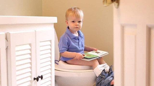 Eğitim sürecinde çocuklar altına kaçırabilir böyle bir durumda çocuğa kızmayın görmezden gelin.
