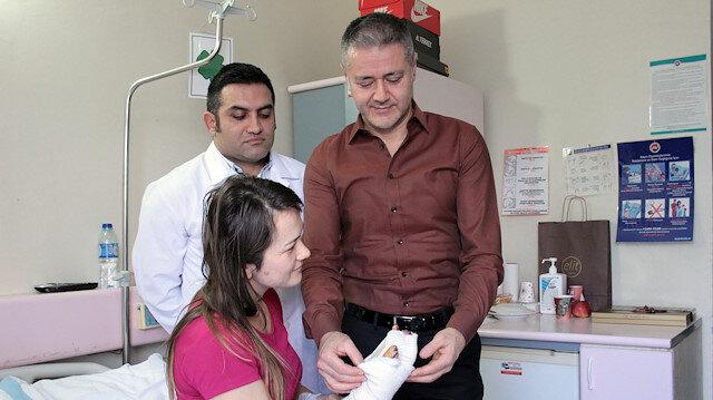 أطباء أتراك ينحجون في صناعة أصبع يد طبيعية لشرطية ألبانية