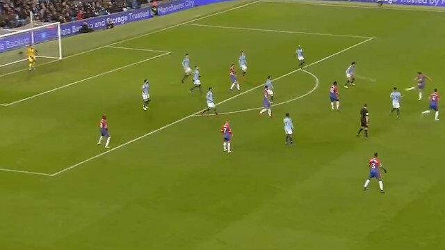 Towsend  Manchester City kalesine füze gönderdi