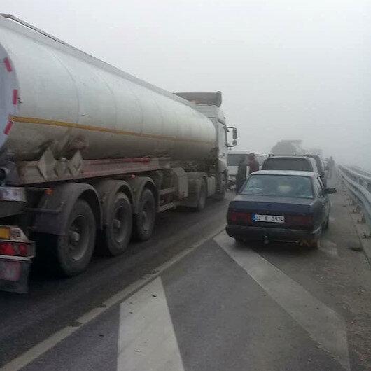 Isparta'da yoğun sis nedeniyle 10 araç birbirine girdi