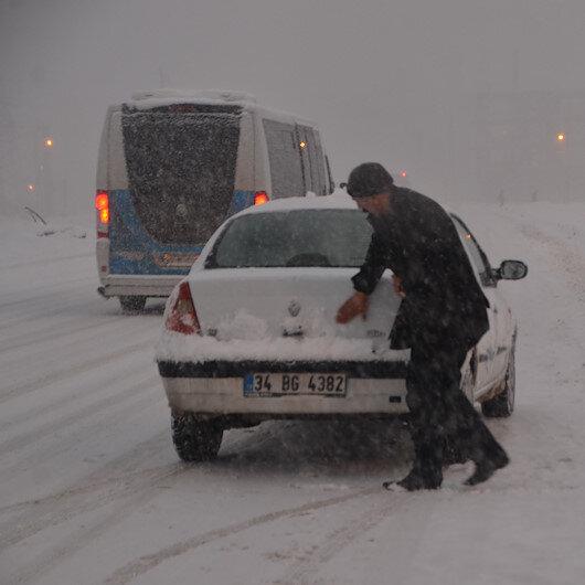 Kastamonu'da kar nedeniyle 38 köye ulaşım kapandı