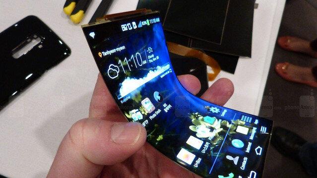 LG 2019 yılında katlanabilir telefona yönelecek