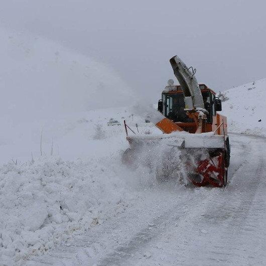 Elazığ ve Tunceli'de eğitime kar engeli
