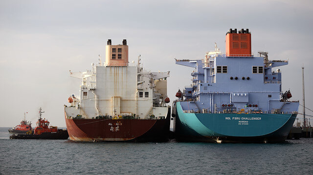 "LNG transfer between ""two giant ships"""