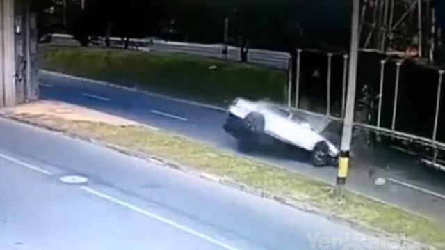 TIRa çarpan otomobil pert oldu