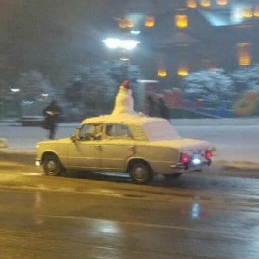 'Kardan adam'la şehir turu attı