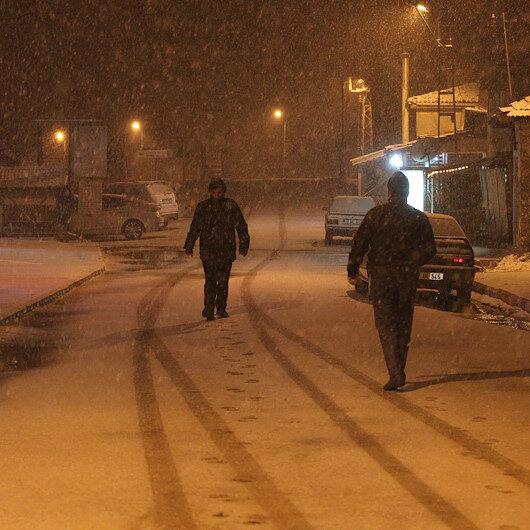 Kırklareli'nde kar nedeniyle eğitime ara verildi