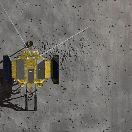 مسبار فضائي صيني يهبط على جانب القمر المظلم لأول مرة