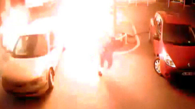 Akaryakıt istasyonunda patlama kamerada