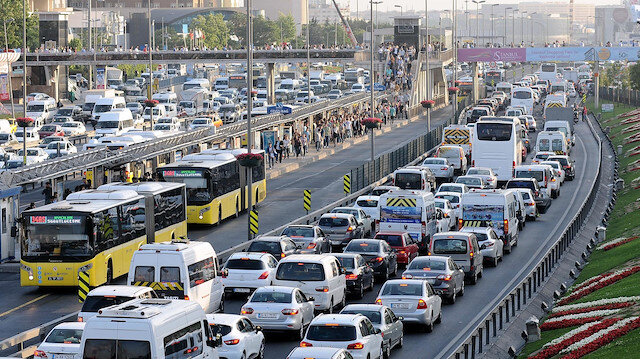 Trafikteki taşıt sayısı arttı.