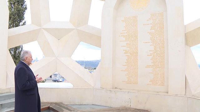 Binali Yıldırım Şehitler Anıtı'nda dua etti