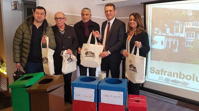 5b7f2a678568d Pet şişe getirene bez çanta ve file hediye - Safranbolu yerel haberleri